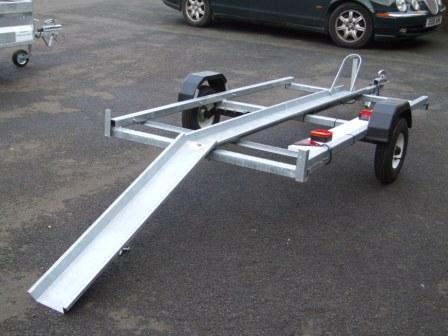 SINGLE MOTORBIKE TRAILER SHOWING RAMP